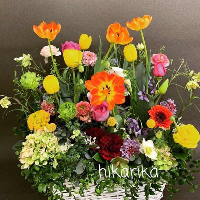 春の花いっぱいのアレンジメント花壇のように^_^